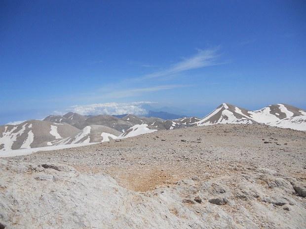 Ganz oben auf den Bergen ist die Landschaft komplett anders