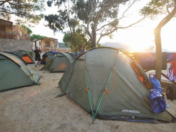 Das Zeltlager auf dem Campingplatz
