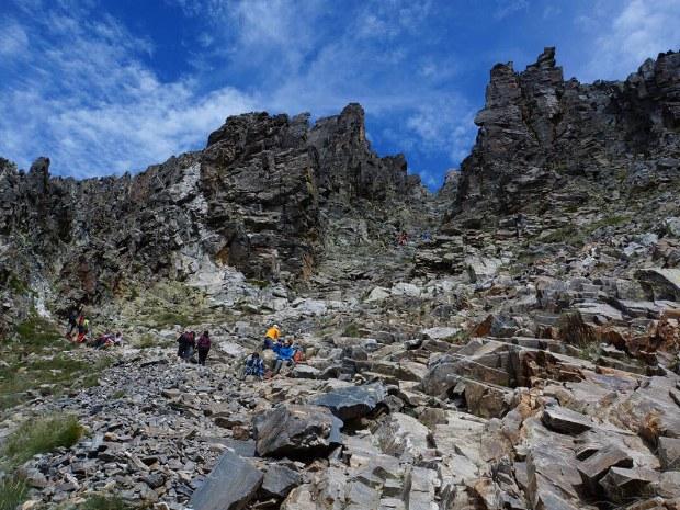 Felsiger Anstieg zum Gipfel